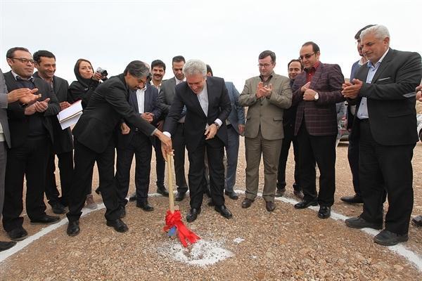 شروع عملیات اجرایی هتل 5 ستاره مهدی شهر با حضور مونسان